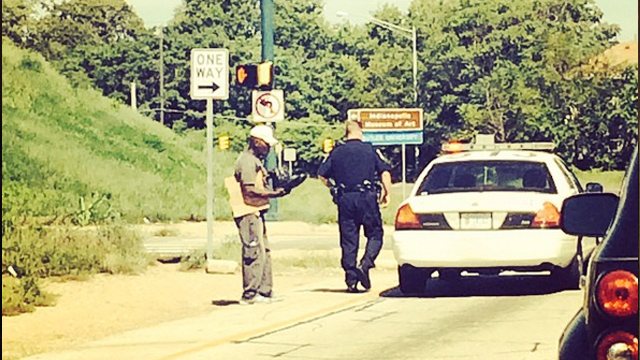 Roy Hibbert Witnesses Police Officer Give Homeless Man Shoes